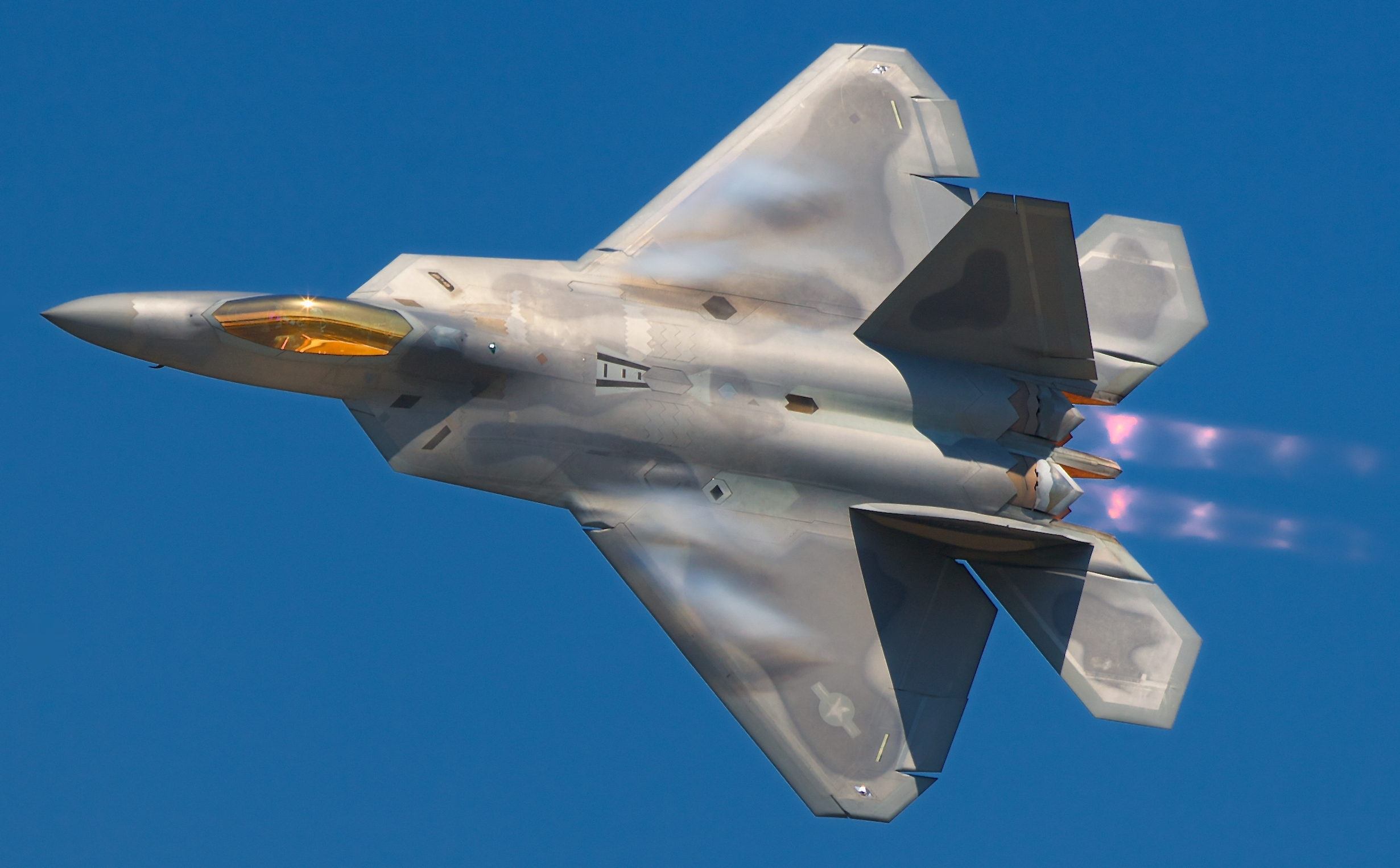 F-22 Raptor Stealth Fighter. Click to go to Official Website